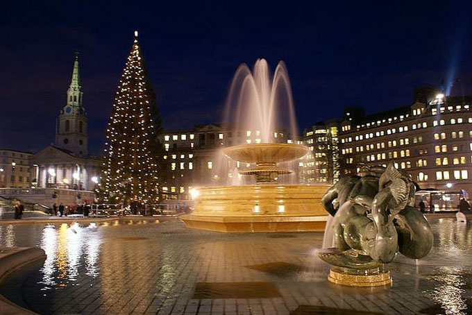 trafalgar square christmas tree_680x454