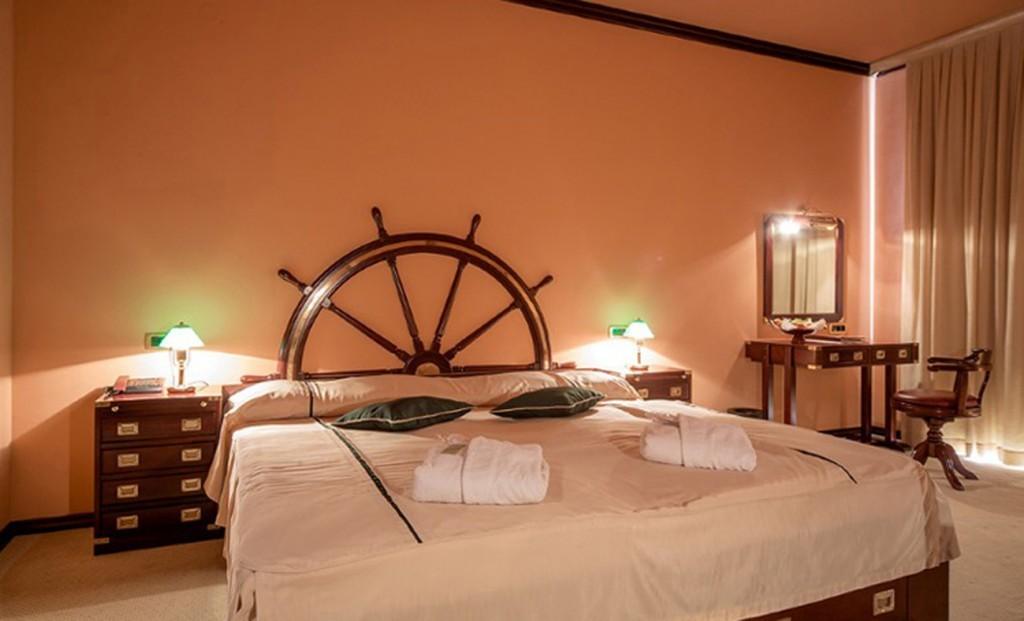 1299x788-originalno-darilo-istra-novigrad-hotel-nautica-superior-soba-1024x621