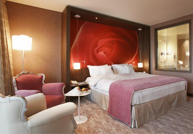 popolno-darilo_luksuzni-oddih_Hotel-Kempinski-Palace-Portorož_dvoposteljna-soba_679x472