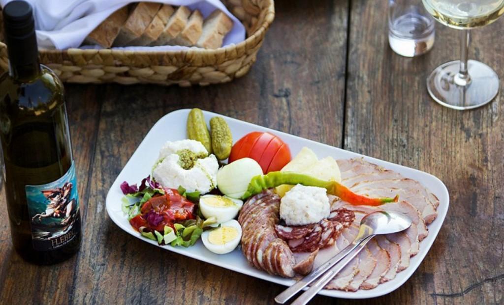 darilni_paketi_kulinarika_kmetije_hlebec_kog_1