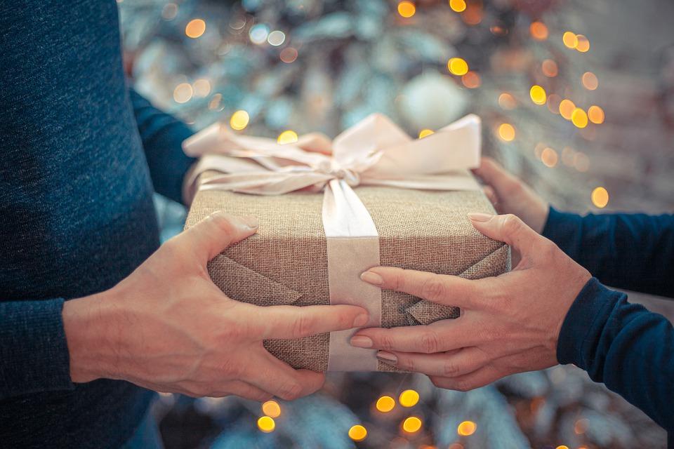 Letos ne zgubljajte kopice časa z izbiro darila zanj